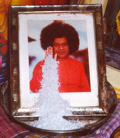 Sai Baba Miracles - Sai Leela - Vibhuti Miracles