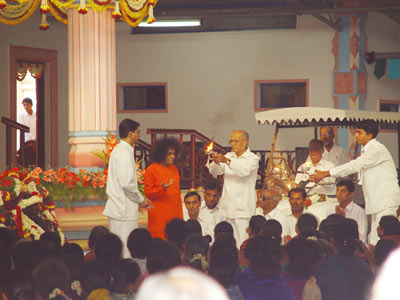 AFTER THE INJURY ,THE FIRST DARSHAN AT SAI RAMESH HALL