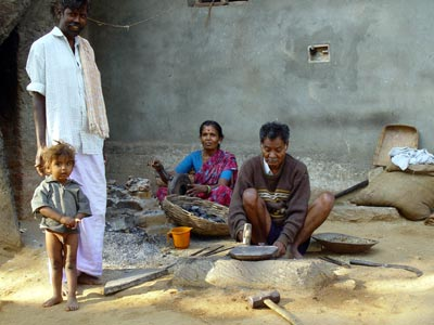 LIVING ON HOPE : SCENES FROM AN INDIAN VILLAGE