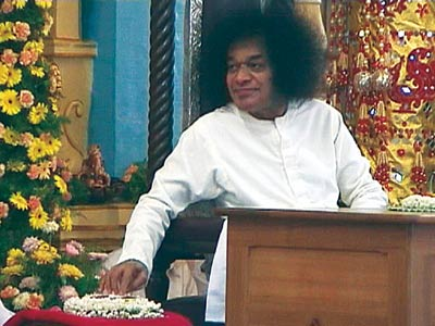 THE BIRTH OF RADIO SAI , SWAMI PRESSING THE BUTTON
